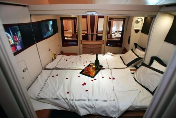 Airbus a380 aircraft airliner history information facts for Airbus a380 emirates interior
