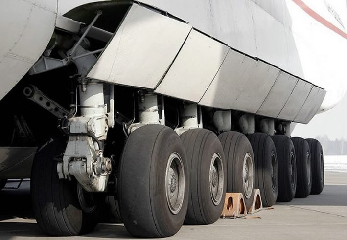 The antonov an-225s massive landing gear