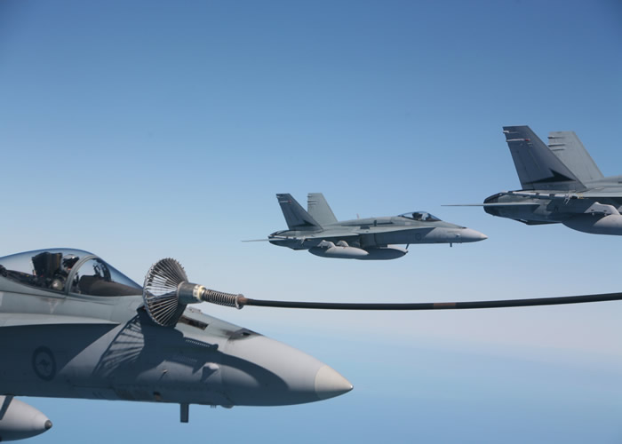 f18 aerial refueling