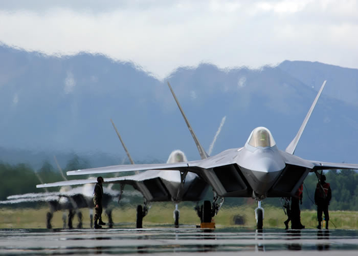 Multiple F-22 Raptor on runway