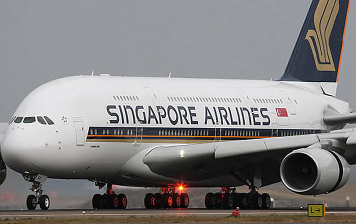 singapore airlines first flight landing picture