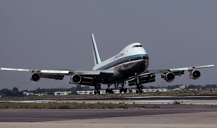 eastern airlines boeing 747 airliner
