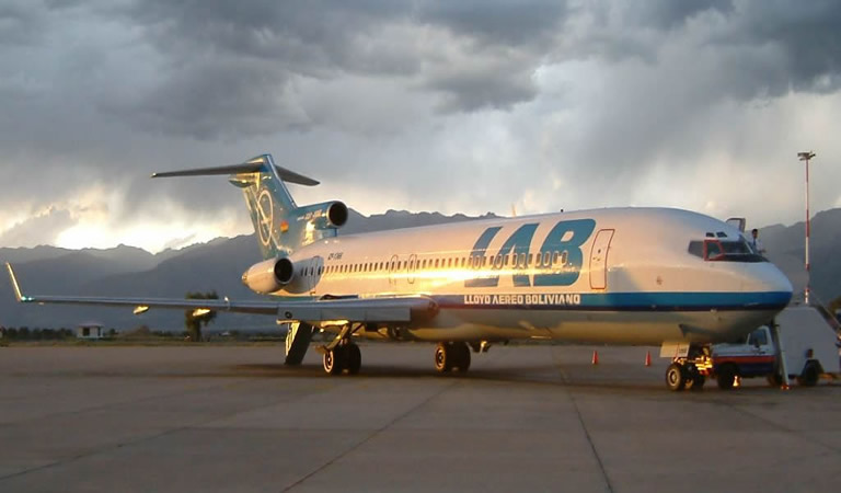 LAB Airlines Boeing 727