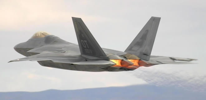 USAF F22 raptor in full afterburner