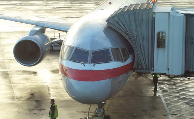 AA american airlines boeing 757 at gate in phoeinx az