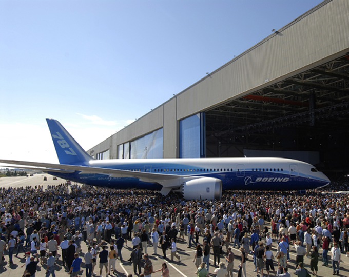 boeing 787 dreamliner rollout