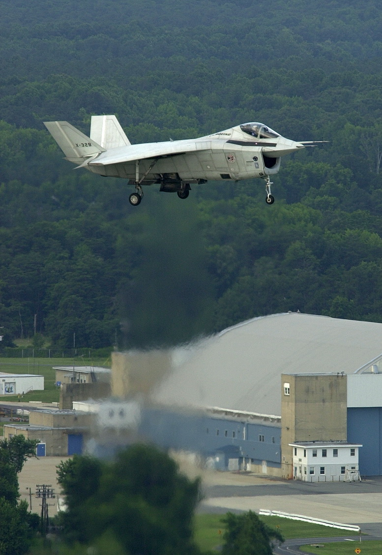 boeing x-32b vertical take off photo