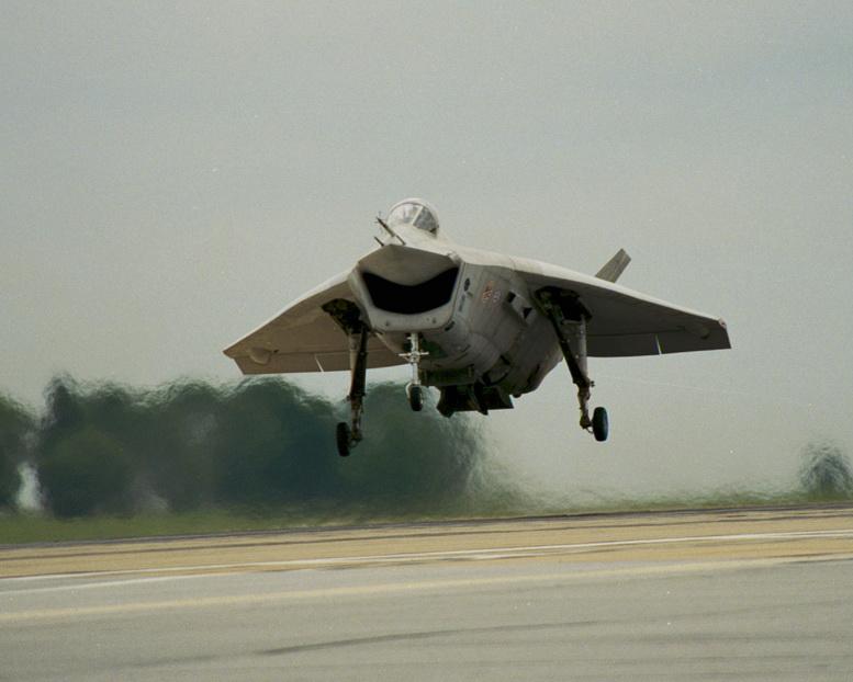http://www.aviationexplorer.com/boeing_x-32_aircraft/boeing_x-32_stovl_006.jpg