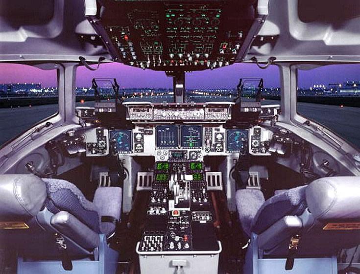 C-17 Globemaster Cockpit Photo  C 17 Cockpit