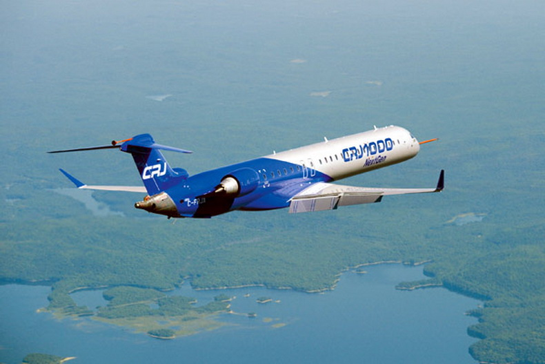 crj 1000 regional jet in company colors