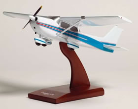 cessna 172 prop model display