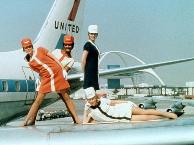 united%20flight%20attendants%20on%20airliner%20wing.jpg